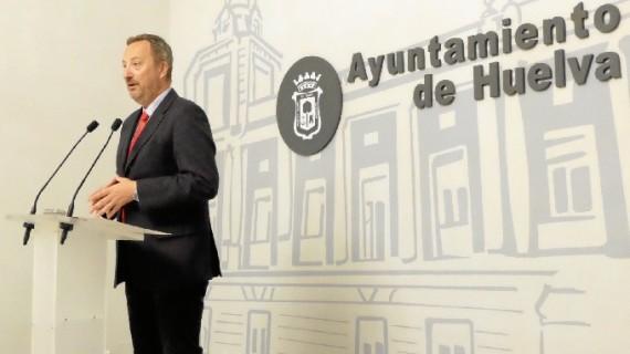 El pleno capitalino aborda la cesión de suelo para un parking público en el hospital Juan Ramón Jiménez