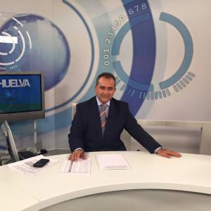 Norberto, presentador y redactor de Canal Sur, lleva treinta años trabajando en los medios de comunicación.