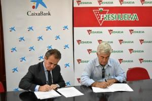 Colaboración entre Freshuelva y Caixabank.