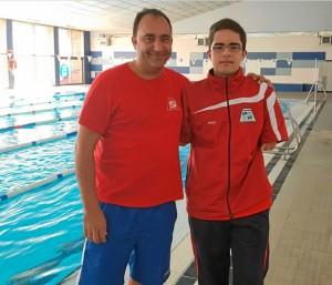 Pepe junto a David 'el tiburón', uno de sus deportistas.