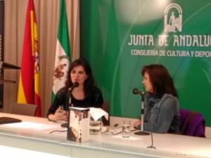 Otra imagen del acto protagonizado por Laura Restrepo en Huelva.