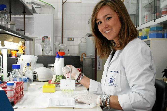 La investigadora onubense Mª Ángeles Rosillo analiza la funcionalidad del aceite de oliva virgen extra en la artritis reumatoide