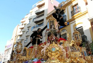 Nuestro Padre Jesús Nazareno en su salida procesional.