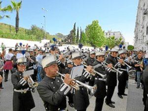 La Agrupación Musical de la Santa Cruz de Huelva acompaña al Prendimiento en su Estación de Penitencia.