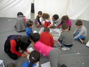 Los voluntarios onubenses también han ayudado en la que es la mayor crisis de refugiados en el continente desde la II Guerra Mundial.