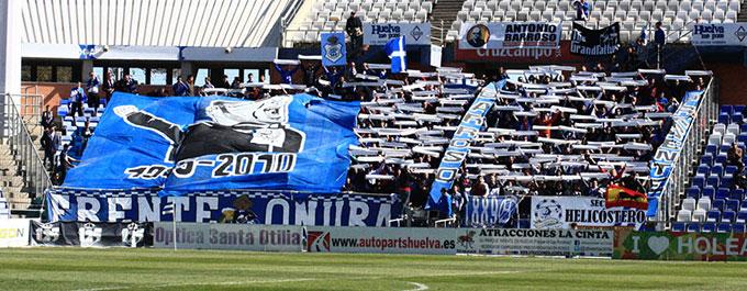La afición juega en este partido un papel tan relevante, o más, como el de los jugadores. / Foto: Josele Ruiz.