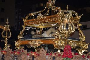 El cristo Yacente estrenará el dorado de las Cartelas laterales