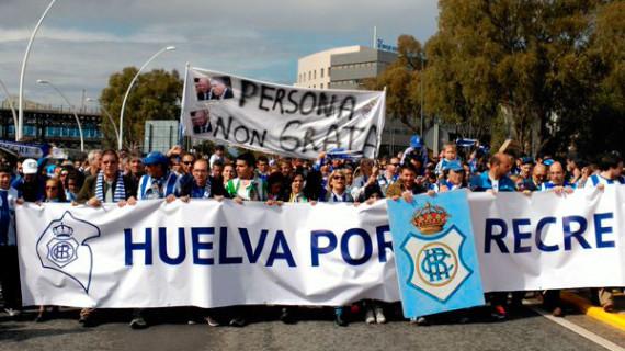 Llamamiento de la participación en la manifestación de apoyo al Recre, este viernes desde El Velódromo