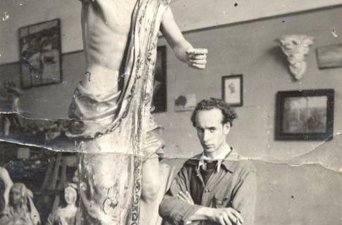 Antonio León Ortega, el escultor e imaginero ayamontino que hizo única la Semana Santa onubense