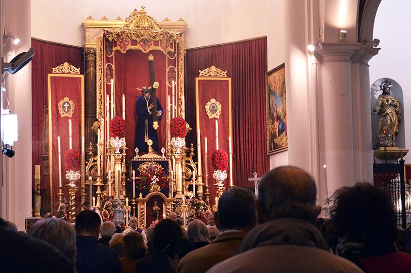 Nuestro Padre Jesús Nazareno preside el altar mayor de la Concepción