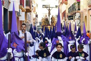 Los nazarenos de la Hermandad se encuentran en proceso de renovar sus túnicas