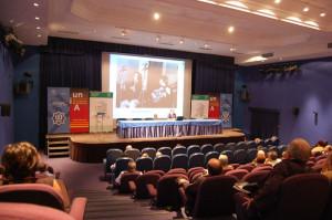 En una conferencia sobre el fandango de Huelva en los cursos de Verano de la Universidad Pablo de Olavide en Carmona.