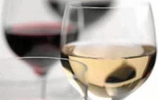 Las nuevas tecnologías cambian la centenaria actividad del comercio de vino en la provincia de Huelva