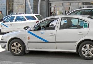 El sector del taxi en Huelva ha mostrado su indignación por estos hechos.