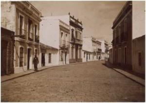 Calle Rascón, principios siglo XX, lugar donde vivieron en Huelva. ©