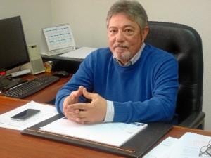 Gonzalo, en su despacho en el Colegio Oficial de Enfermería de Huelva.