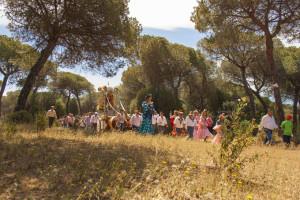 Los romeros en su camino para buscar la Santa Cruz.