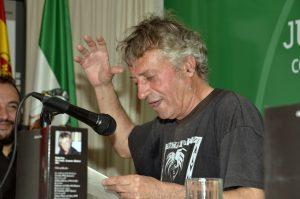 Eladio Orta en un momento de la lectura.