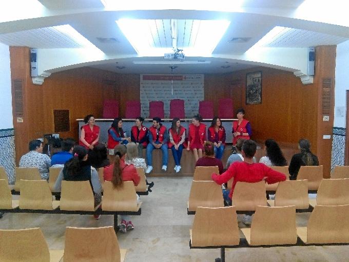 Cruz Roja Huelva ha iniciado una nueva edición de su 'Escuela de Padres'.