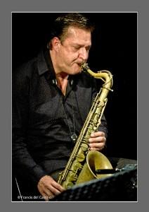 Carlos se mueve tanto en el jazz como en el flamenco.