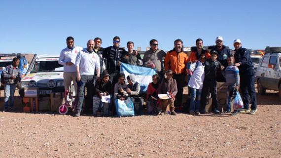 En casa los onubenses que se marcharon al desierto marroquí a llevar material escolar en vehículos Panda