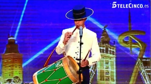 El tamborilero onubense Alejandro Martínez sorprende al jurado de Got Talent
