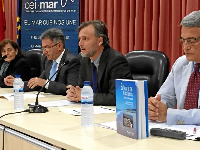 El consejero de Medio Ambiente y Ordenación del Territorio, José Fiscal, ha participado en la inauguración de las jornadas.