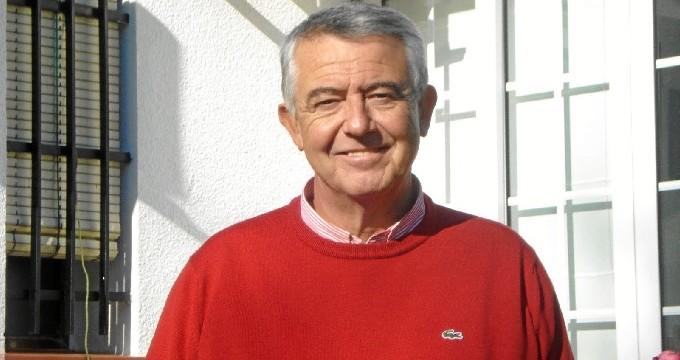 Pedro Javier Martín Pedrós presenta su poemario 'Abriendo ventanas'