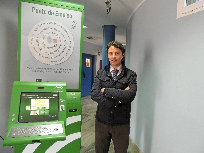 El Centro de Inserción Sociolaboral de Los Rosales cuenta con un Punto habilitado del Servicio Andaluz de Empleo.