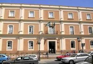 Continúa diseñando proyectos de investigación con compañeros de la Universidad de Huelva.
