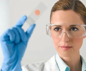 La mujer y la ciencia no son dos campos reñidos. / Foto: blog.bayer.es