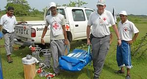 Un grupo de voluntarios de la Unidad de Respuesta ante Emergencias de Cruz Roja. / Foto: www.ifrc.org