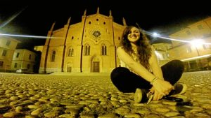 Estuvo un año de Erasmus en la ciudad italiana de Pavia.