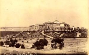 Vista de La Rábida con la reforma de jardines que vegetaron un espacio anterior desbrozado. 1892.
