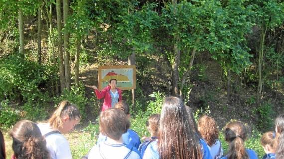 El Aula de la Naturaleza del Parque Moret de Huelva repone la cartelería de la Fuente Vieja