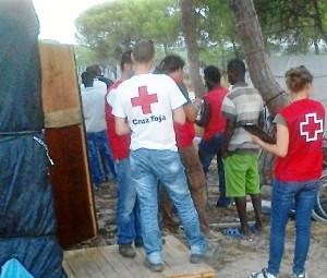 Cruz Roja Huelva desarrolla un programa de voluntariado dirigido a estas personas.