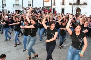 La academia de baile mostró a los cartayeros el arte de sus alumnas