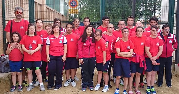 El CODA cierra el Campeonato de Andalucía de Natación con el excelente botín de 35 medallas y un tercer puesto en la general