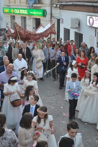 Una procesión que mantiene el encanto de la tradición. / Foto: J.M.Jiménez Serrano