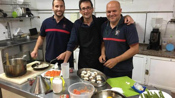 Una coca, realizada por el redondelero Manuel Cabanillas, elegido Mejor Plato en el I Concurso Bomber Chef de Andalucía