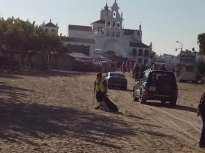 Limpieza viaria en El Rocío.