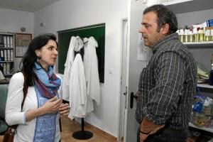 Antonio Concepción explicó a HBN los pomenores de la fabricación del producto. / Foto: José Rodríguez.
