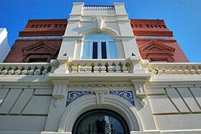 Centenario de la Casa Román Pérez.