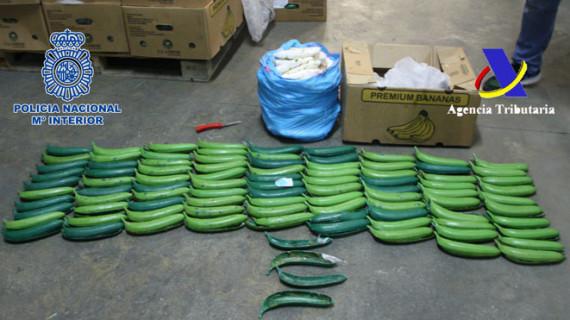 Interceptados 171 kilos de cocaína ocultos en bananas sintéticas que se transportaba hasta una nave de Lepe