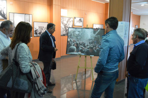 Inauguración de la muestra 'Un largo viaje' en San Juan del Puerto.