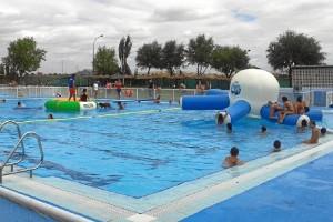 Abre la piscina en San Juan.