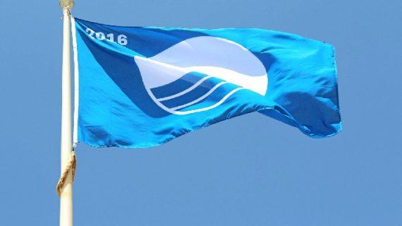 Turismo inicia los contactos para reforzar la posición del litoral de Huelva en las distinciones de las 'Banderas Azules'