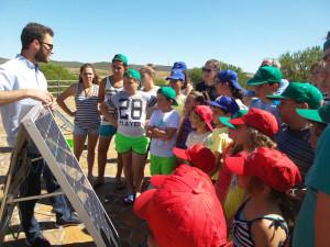 Los niños también han asistido a charlas sobre energías renovables.
