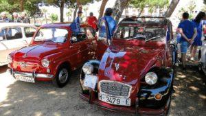 Concentración de coches antiguos con un fin solidario.