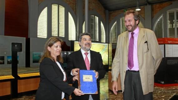 El Puerto de Huelva celebra una jornada de puertas abiertas de su archivo histórico, que conserva más de 12.000 legajos